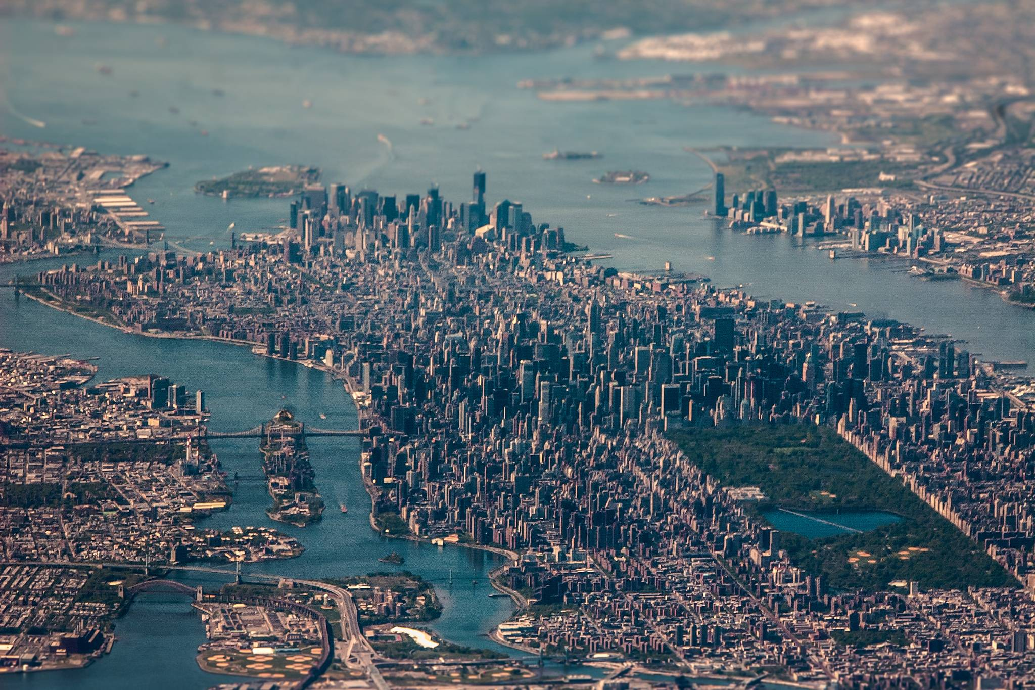 How Far Is Long Island From Manhattan